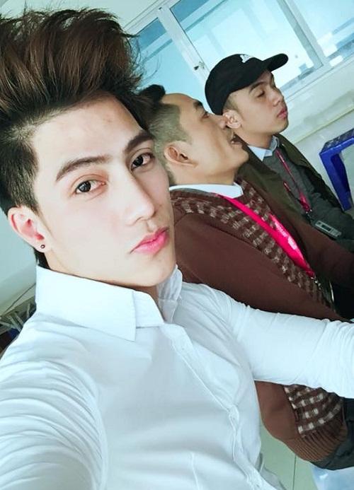 """Thay đổi dáng mũi, """"Hai Lúa"""" Đào Văn Tuấn trở thành Hotboy The Face - Ảnh 4"""