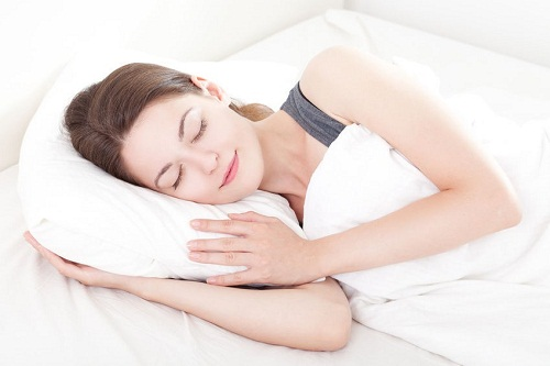 Nâng mũi bao lâu thì được nằm nghiêng? 5 Tư thế ngủ cần Tránh - Hình 1